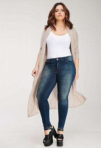Plus Size Jeans For Women 5 best outfits - curvyoutfits.com