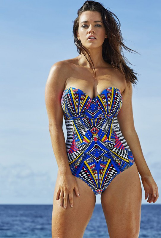 Make a splash in our fabulous plus size swimwear! Whether you're looking for a brightly colored bikini or a figure-flattering one piece suit, you'll be sure to fulfill your bathing suit needs with our vibrant variety of retro plus size swimsuits.