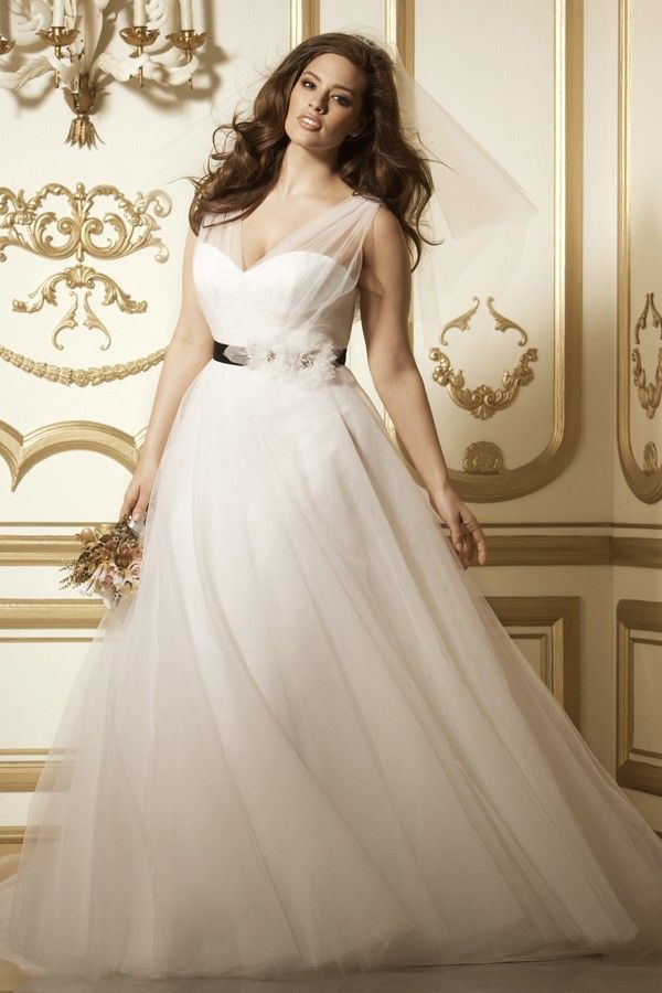 Plus size wedding dresses ball gown for Best wedding dress styles for plus size brides
