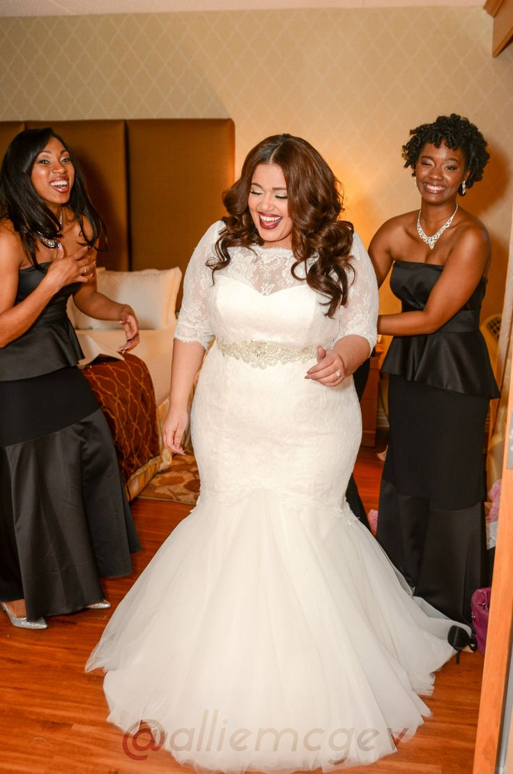 Perfect plus size wedding dresses to make you the bride for What size wedding dress am i