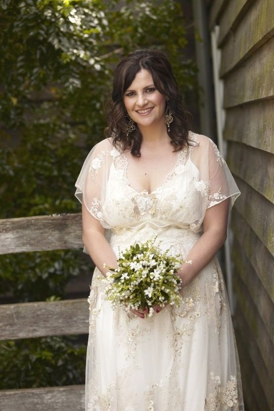 Top 6 tips for buying plus size wedding dresses - curvyoutfits.com