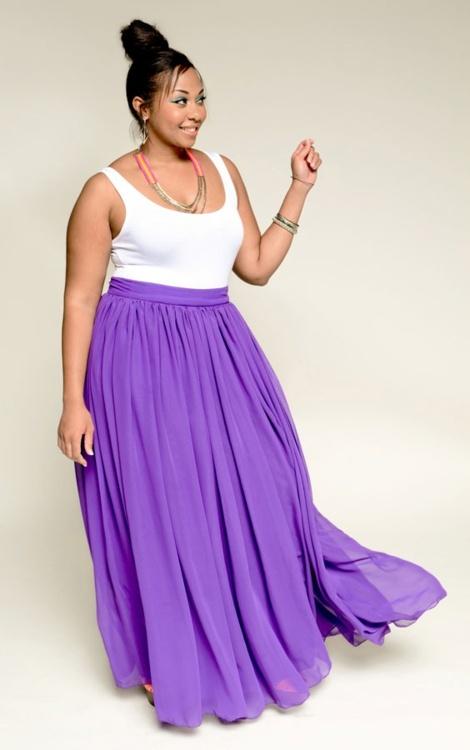 5 ways to wear a plus size maxi skirt - curvyoutfits.com