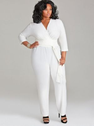 5 ways to wear a plus size white jumpsuit without looking frumpy ...