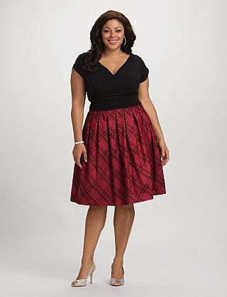The right Christmas outfits for petite curvy women - curvyoutfits.com