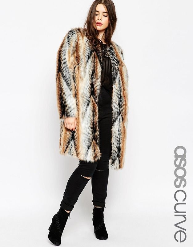 How to combine plus size casual outfits with a faux fur coat - curvyoutfits.com