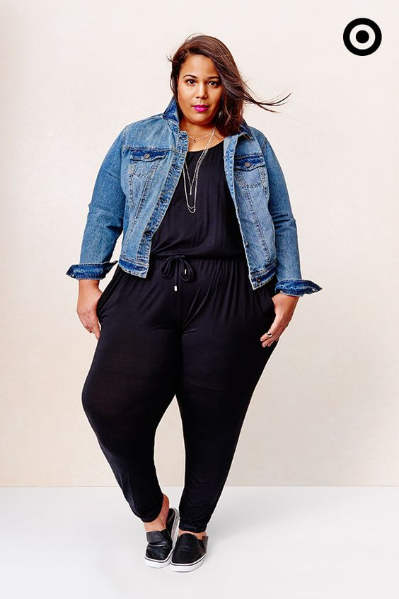 5 ways to wear a curvy jumpsuit with sneakers without looking frumpy - curvyoutfits.com
