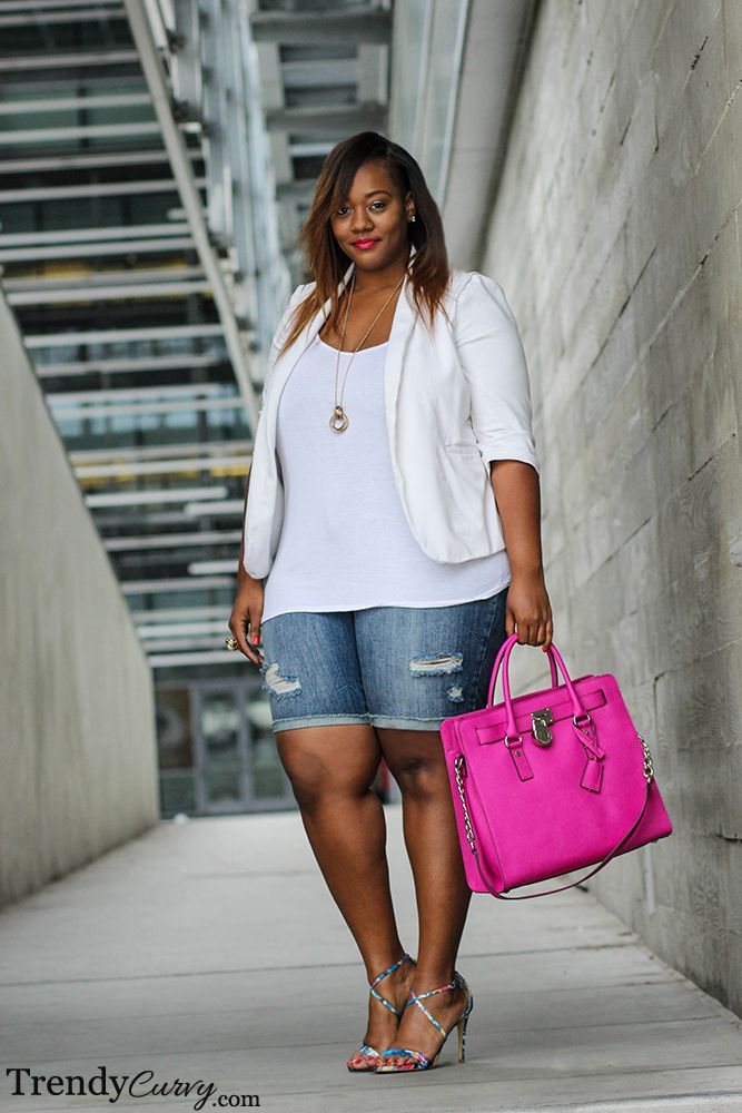 f0e053b310b50 For more curvy outfits and style inspiration follow us on Pinterest!