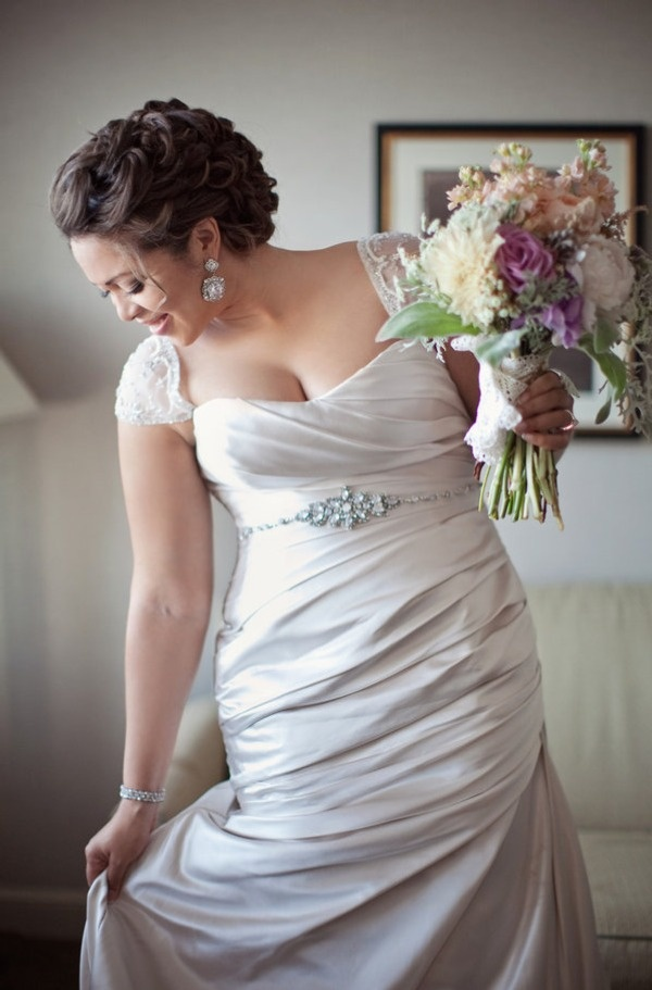 about-plus-size-wedding-dresses