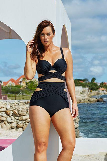 f4053d815f1 Effective tips to choose the plus size swim suits - curvyoutfits.com