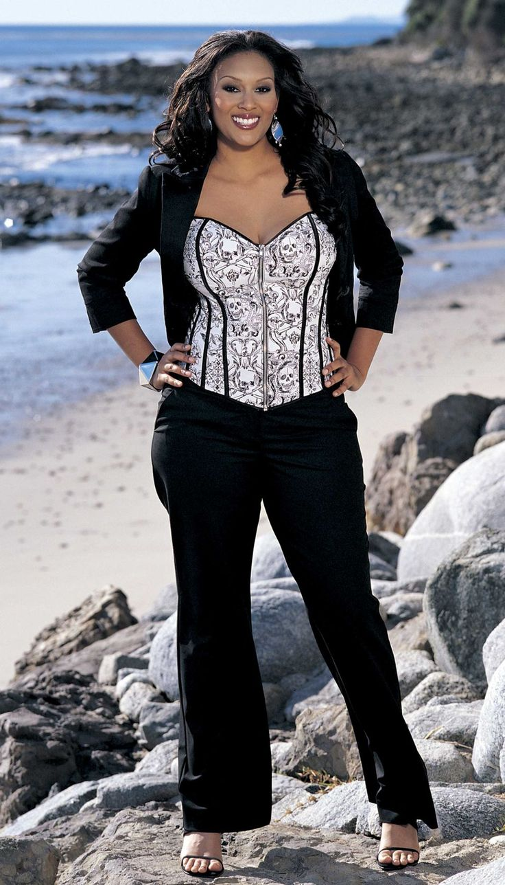 the perfect plus size corset dresses2 - The Perfect Plus Size Corset Dresses!