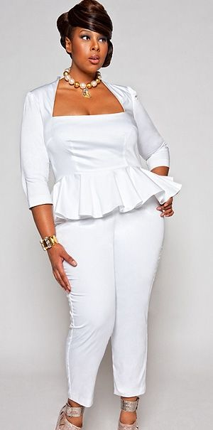 5-ways-to-wear-a-plus-size-white-jumpsuit-without-looking-frumpy-1