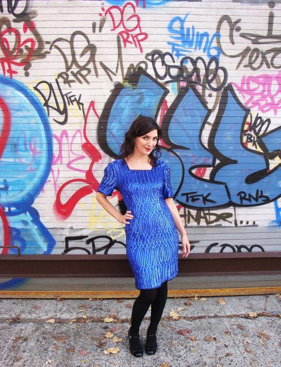 5 ways to wear plus size a blue electric dress at new years eve 2 - 5-ways-to-wear-plus-size-a-blue-electric-dress-at-new-years-eve-2
