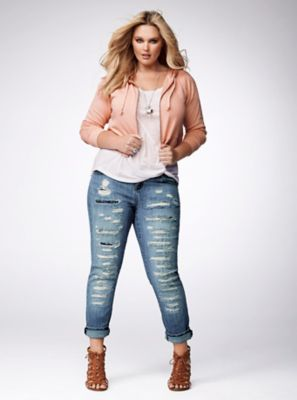 47c71017281 5 perfect outfits for petite plus size women - curvyoutfits.com