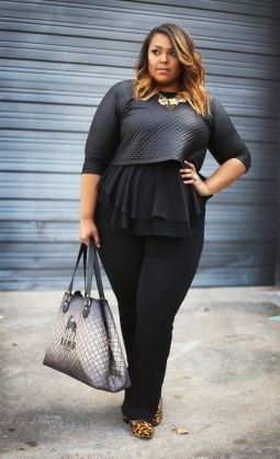 5-ways-to-combine-plus-size-sexy-tops-4