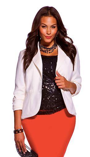 5 ways to wear a plus size white blazer that you will love 2 - 5-ways-to-wear-a-plus-size-white-blazer-that-you-will-love-2