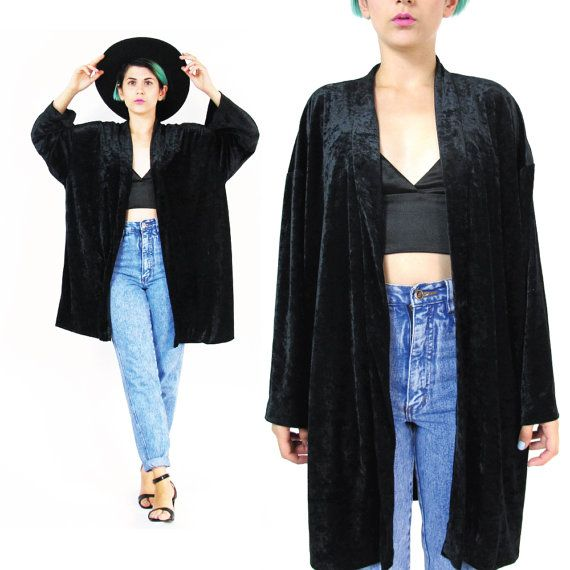 5-ways-to-wear-the-velvet-kimono-without-looking-frumpy