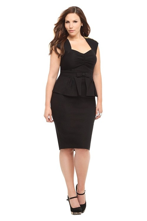 stylish total black outfits for plus size girls 1 - stylish-total-black-outfits-for-plus-size-girls-1
