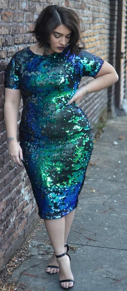 5 curvy evening outfits with a metallic dress 1 - 5-curvy-evening-outfits-with-a-metallic-dress-1
