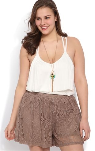 5d6eccfb2 5 ways to wear high waisted shorts as a plus size woman - curvyoutfits.com
