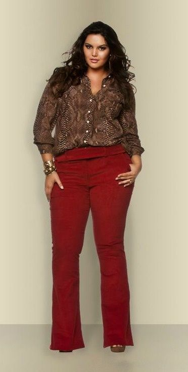 5 ways to wear plus size red pants in glamorous ways - curvyoutfits.com