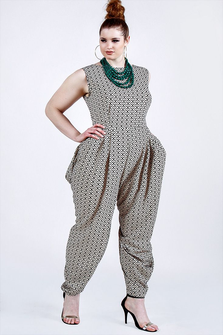 1986a18713058 The right jumpsuits for petite plus size girls - curvyoutfits.com
