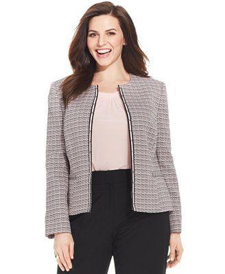 58c82a955fc 5 fashionable ways to wear a plus size tweed blazer - curvyoutfits.com