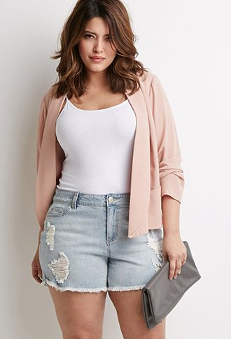 67fc1fdfe8 5 ways to wear plus size denim shorts - curvyoutfits.com