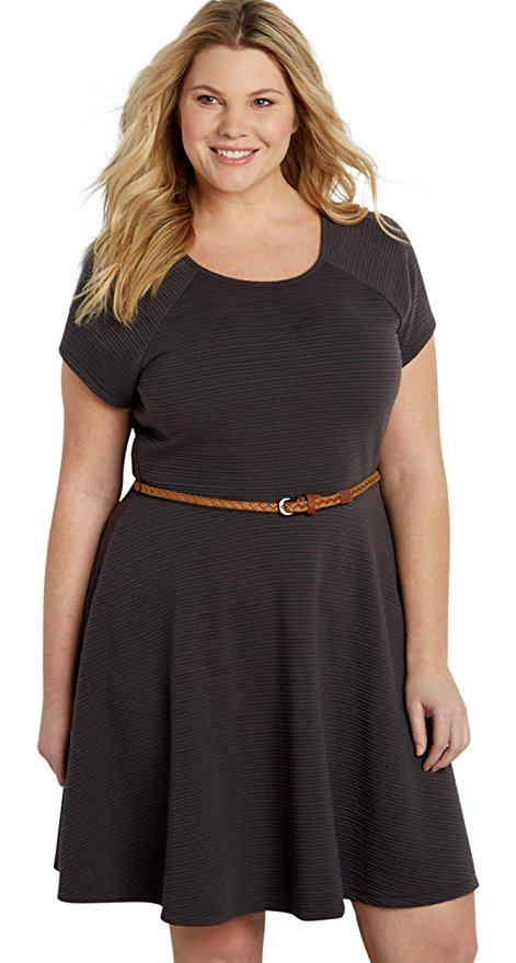 6 beautiful casual dresses that are in style for curvy ladies 3 - 6-beautiful-casual-dresses-that-are-in-style-for-curvy-ladies-3