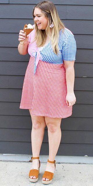 11 lovely plus size dress outfits for spring 1 e1524422912863 - 11-lovely-plus-size-dress-outfits-for-spring-1